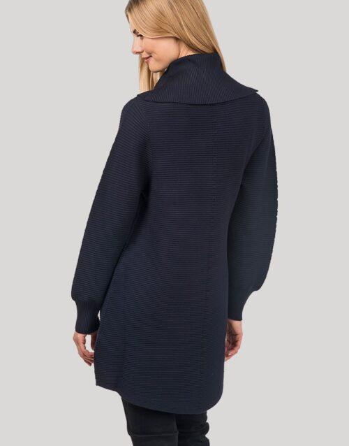 Avaralõikeline rullkaelusega džemper Vicoli